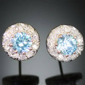 Antique earrings between €500 and €1500