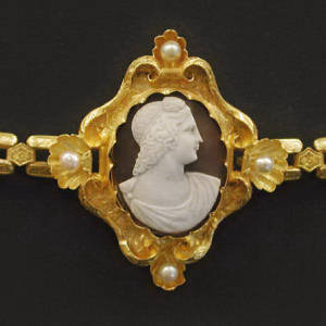 French georgian antique golden cameo bracelet (ca.1780)