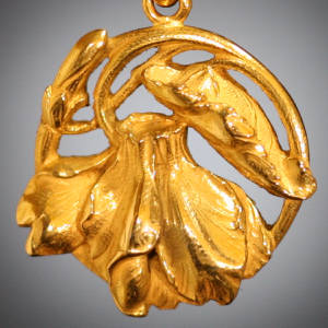 Art Nouveau pendant with leafs