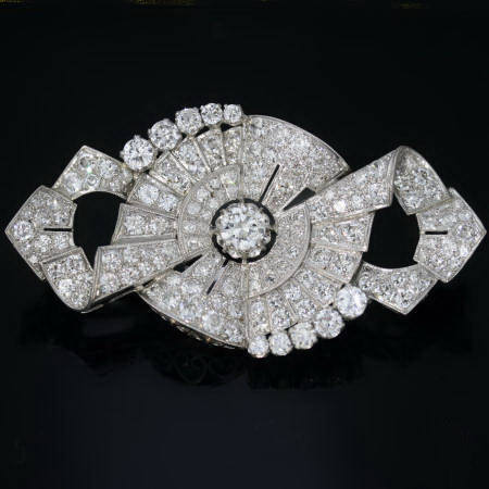 Platinum Art Deco brooch 11.50 carat diamonds