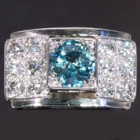 Retro ring in Art Deco style with old mine brilliant cut diamonds and big starlite