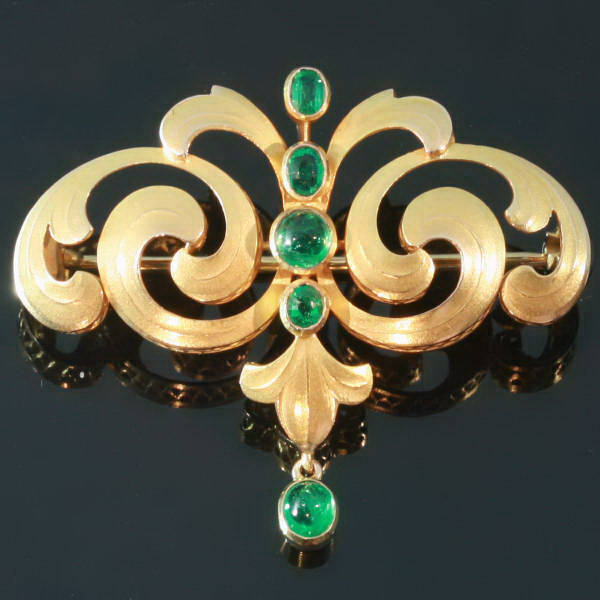 Antique brooches between $500 and $1500