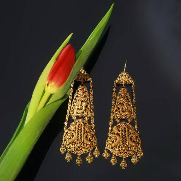 Absolute top notch gold Dutch filigree earrings, unseen high quality
