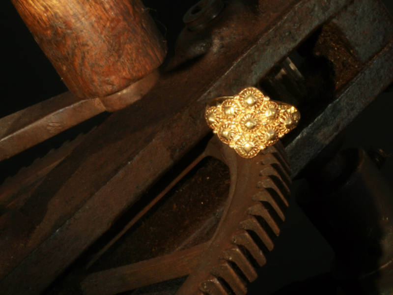 Dutch gold antique ring from Amsterdam 17th Century