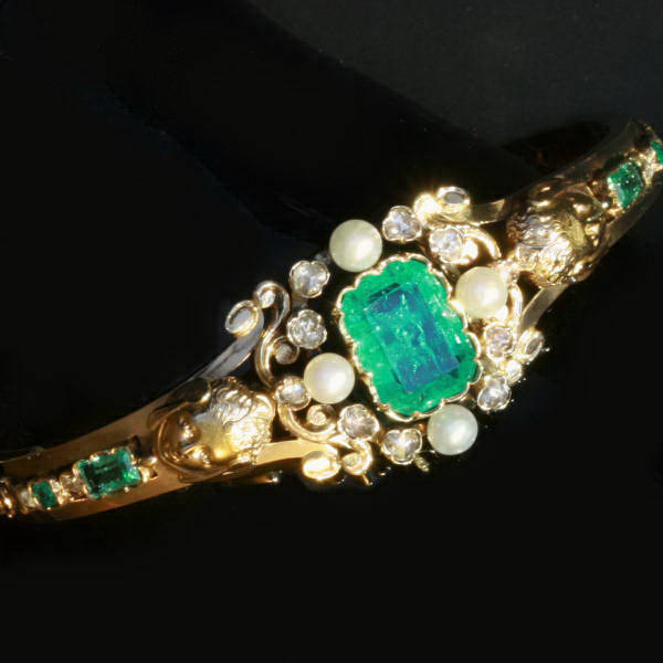 Antique jewelry with color green $15,000 +