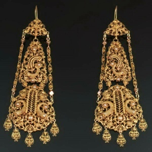 Antique jewelry with filigree