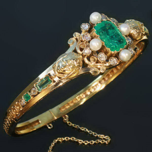 Antique jewelry with the color green from $15,000 and up