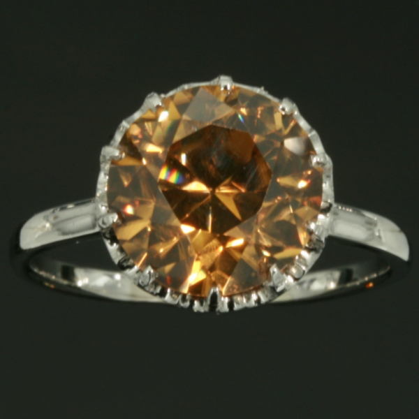 Antique jewelry with the color yellow up to $5,000