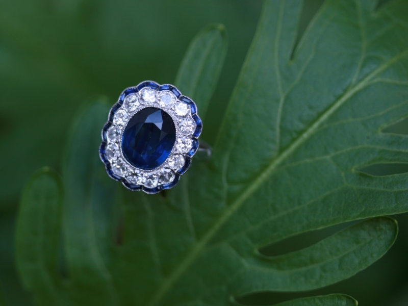 Magnificent diamond and sapphire Art Deco platinum engagement ring anniversary ring from the antique jewelry collection of Adin Antique Jewelry Store, Antwerp, Belgium