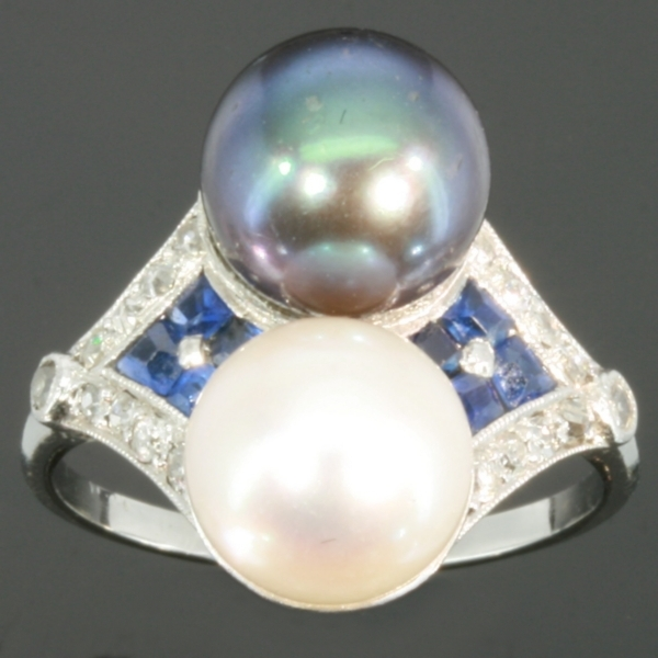 Grey and white pearls Art Deco engagement ring from the antique jewelry collection of www.adin.be
