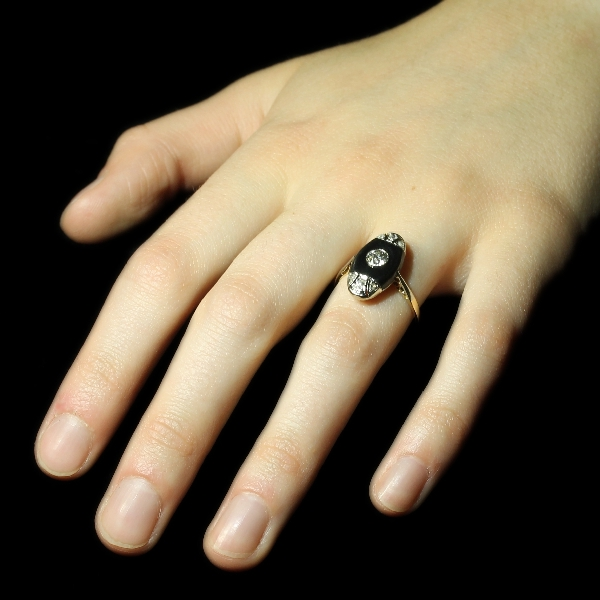 Original Art Deco diamond engagement ring with onyx from the antique jewelry collection of www.adin.be
