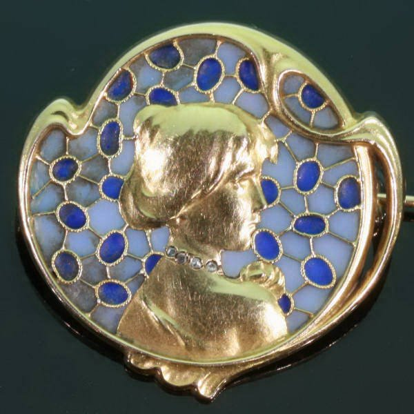 Plique ajour enamel Art Nouveau brooch from the antique jewelry collection of www.adin.be