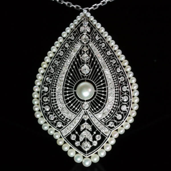 Art Deco Edwardian natural pearls Princess necklace from the antique jewelry collection of www.adin.be