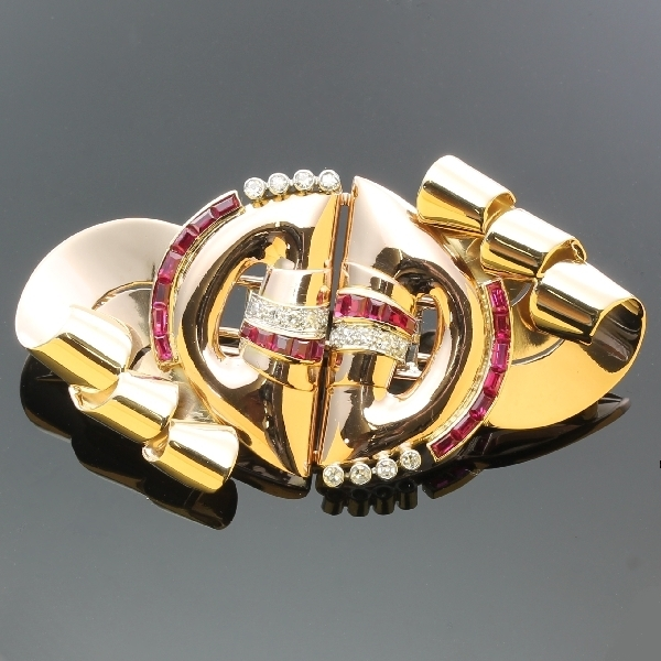 antique-and-estate-brooches-with-red