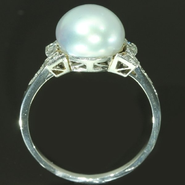 antique-and-estate-rings-with-white