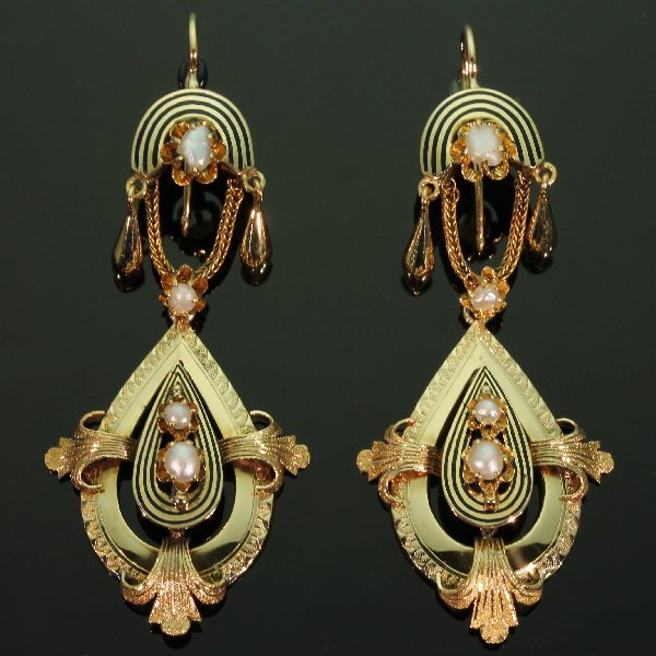 antique-and-estate-earrings-with-black