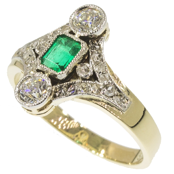 antique-and-estate-rings-with-green