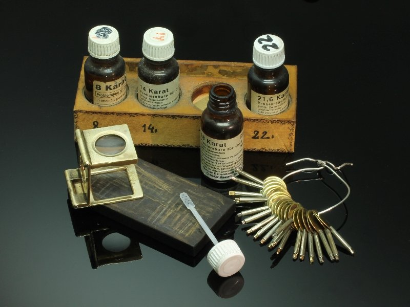 Platinum, gold and silver acid testing set with touchstone from Adin at www.adin.be